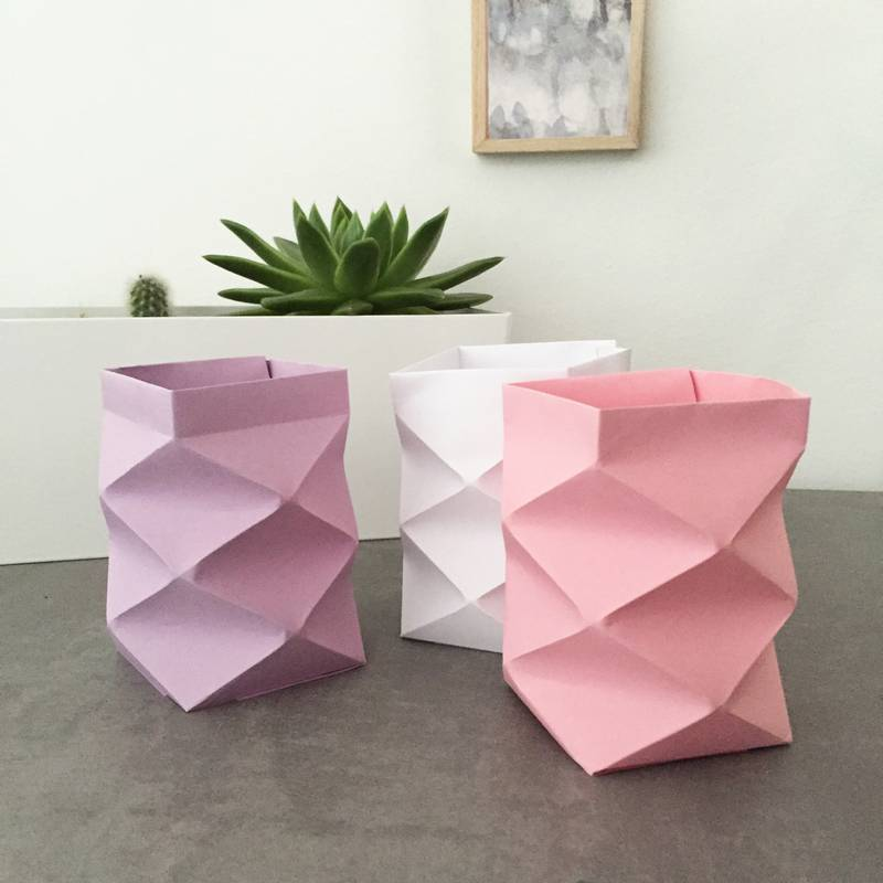 origami windlichter erhellen jeden platz. Black Bedroom Furniture Sets. Home Design Ideas
